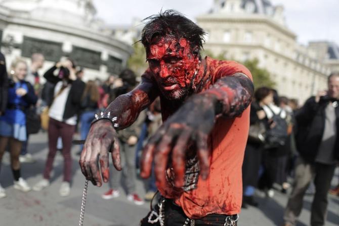 Paris'te 'yaşayan ölüler' geçidi 10