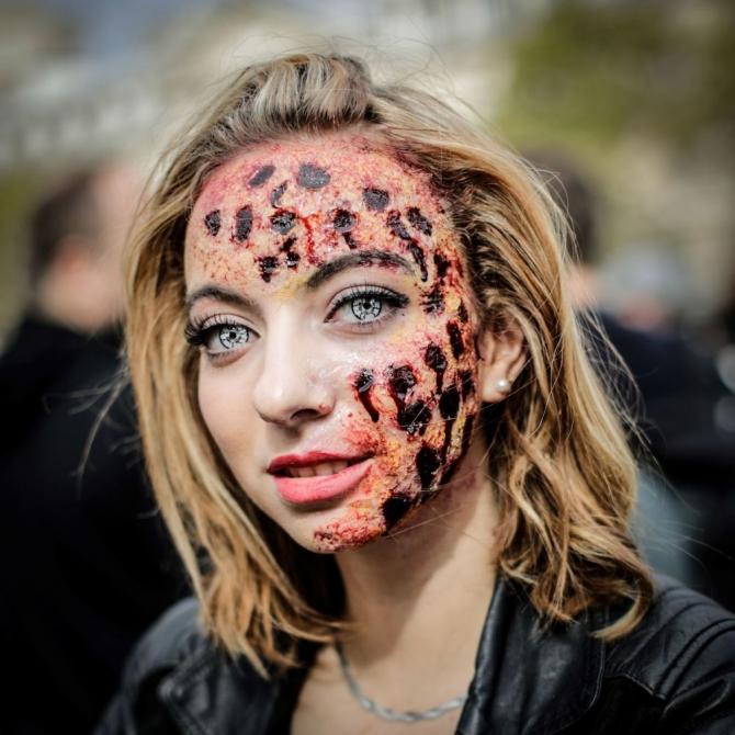 Paris'te 'yaşayan ölüler' geçidi 11