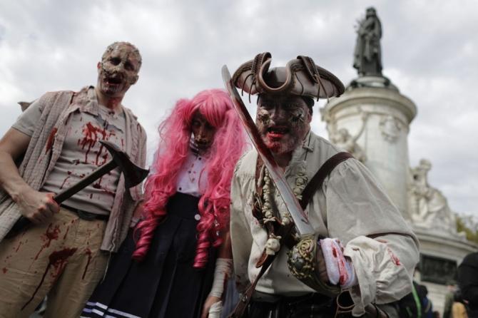 Paris'te 'yaşayan ölüler' geçidi 3