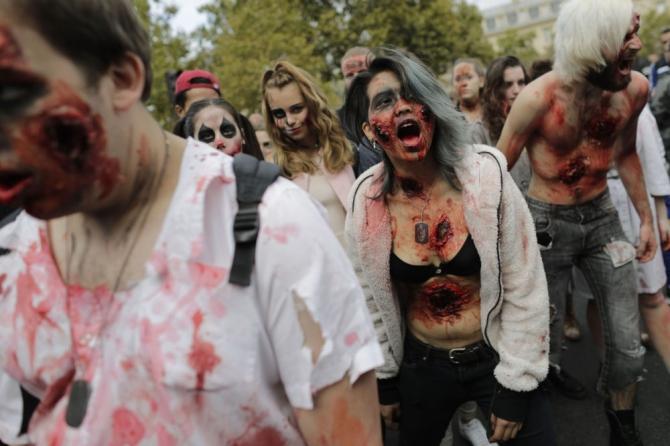 Paris'te 'yaşayan ölüler' geçidi 4