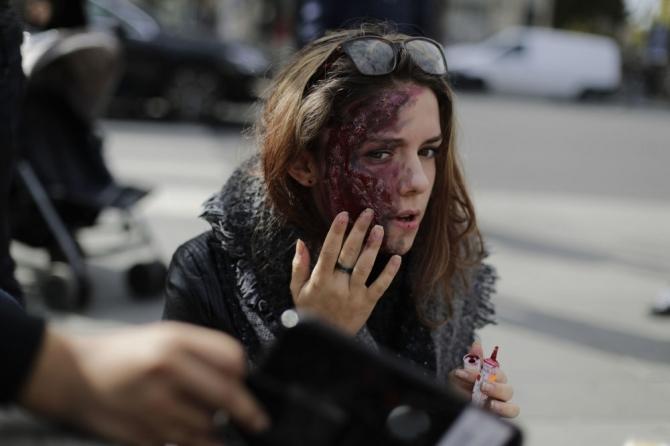 Paris'te 'yaşayan ölüler' geçidi 5