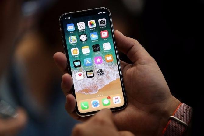 Apple'ın ikinci isminden iPhone X itirafı 1