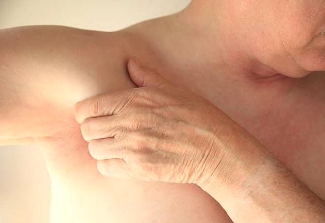 Koltuk altınızdaki belirtiler ciddi hastalıklara işaret ediyor! 4