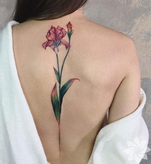 En güzel omurga dövmeleri! 7