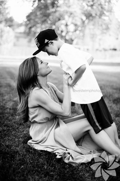 İçinizi ısıtacak anne-oğul fotoğrafları 11