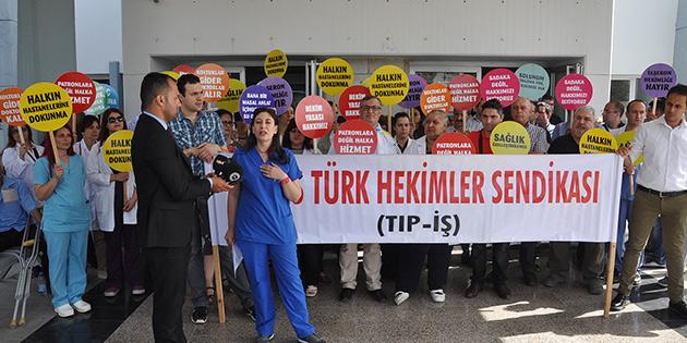 TIP-İŞ Barış Ruh ve Sinir Hastalıkları Hastanesi'nde eylem yaptı