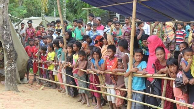Bangladeş'e Sığınan Arakanlı Müslümanların sayısı 582 Bine ulaştı