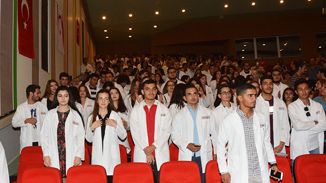 YDÜ Tıp Fakültesi 2018-2019 Akademik Yılı Beyaz Önlük Giyme Töreni ile başladı