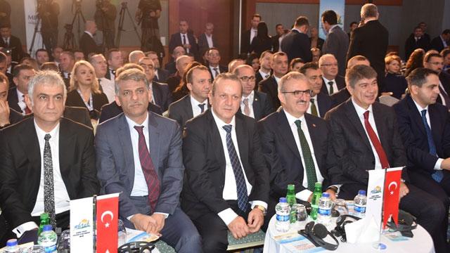 Ataoğlu, Antalya'da Uluslararası Resort Turizm Kongresi'ne katıldı