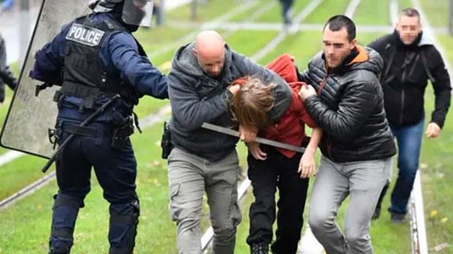 Fransa'da lise öğrencilerin eylemleri olaylı sürüyor
