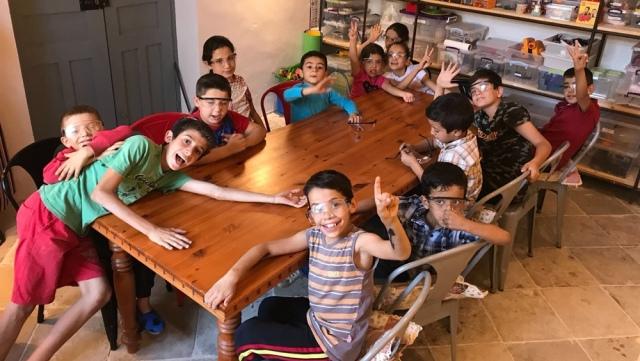 Vakıflar İdaresi'nin desteğiyle Surlariçinde yaşayan çocuklara dersler veriliyor