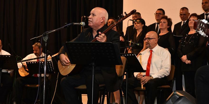 Devlet Türk Halk Müziği Topluluğu'nun son konseri ayakta alkışlandı