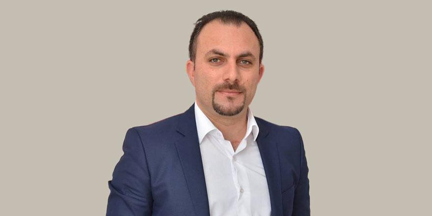 """""""Herkesi hain ilan edeceğine, Kıbrıs Cumhuriyeti kimlik ve pasaportunu iade et"""""""