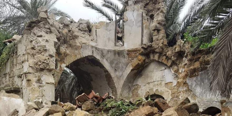 Tarihi St. Jacops Kilisesi çöktü