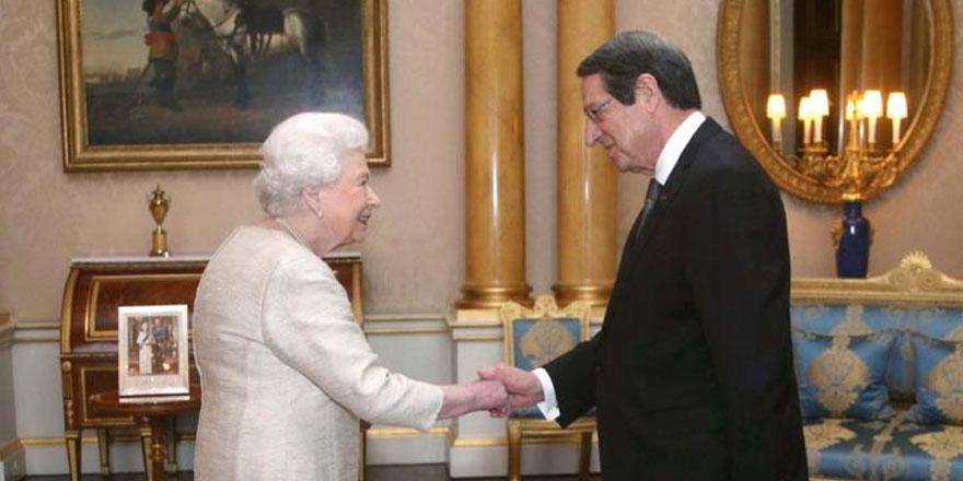 Anastasiadis Kraliçe 2.Elizabeth ile görüştü