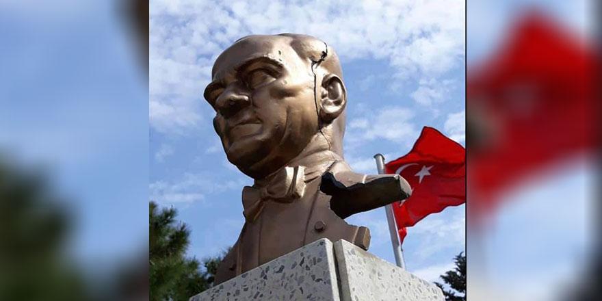 Atatürk büstüne hasar veren kişi yakalandı