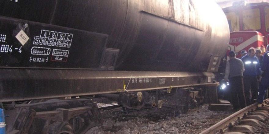 Ankara'da yakıt taşıyan tren raydan çıktı...