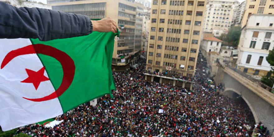 Cezayir'de teknokrat hükümeti kurulacak!