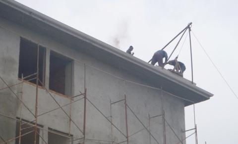 İnşaat işçileri 'Ölümüne' çalışıyor