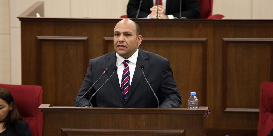 Kıbrıs Türk Liman İşçileri Sendikası yasa tasarısı'nın komitede ivediliği kabul edildi