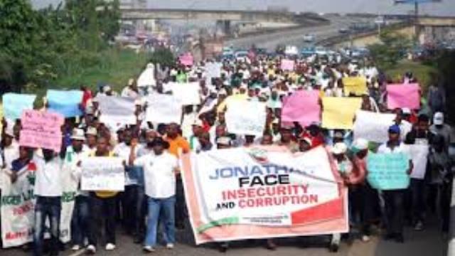 Nijer'deki protestolarda 23 polis yaralandı