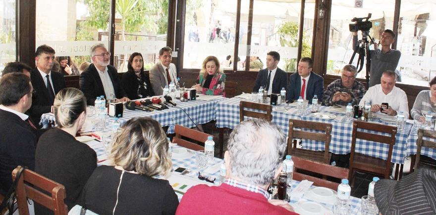 Kıbrıs Vakıflar İdaresi'nden 8 Milyon TL yardım