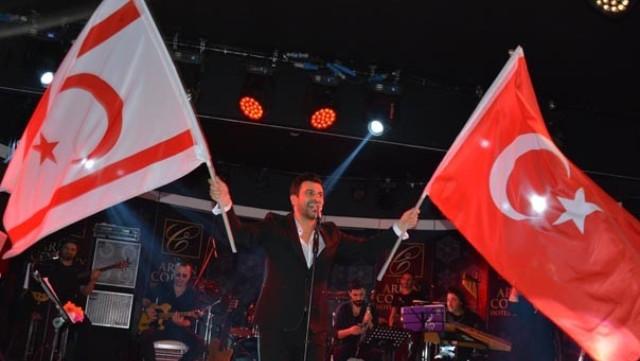 Gökhan Tepe'yle 'Cumhuriyet' kutlaması