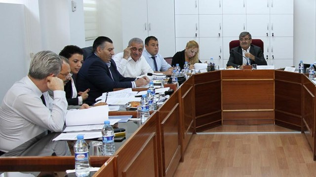 İdari Kamu ve Sağlık İşleri Komitesi bazı yasa önerilerini görüştü