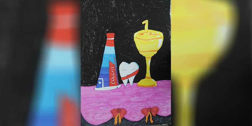 Colgate Afiş Yarışması'ndan Yakın Doğu Kolejine İki Ödül, Beş Sergileme...