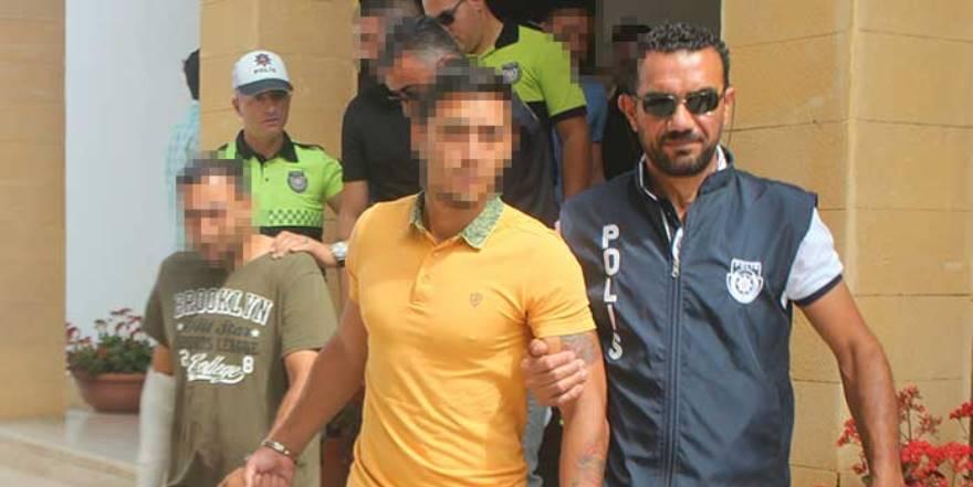 Arasta'daki kavgada 5 zanlı cezaevini boyladı