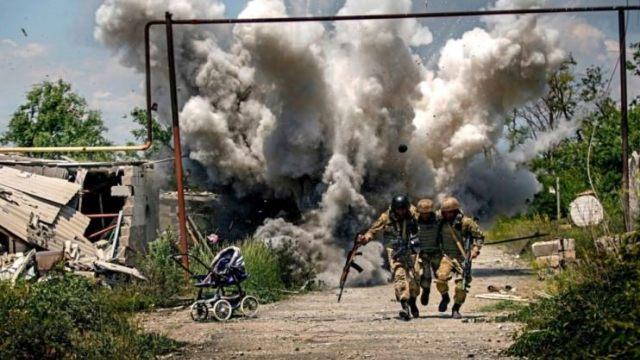 Ukrayna'da ayrılıkçılarla çatışmalarda 1 Ukraynalı hayatını kaybetti
