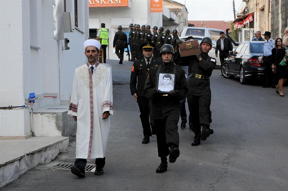 Kayıp Şehit Hüseyin Ertan Ali Lefke'de askeri törenle defnedildi