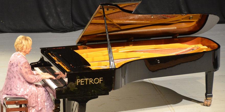 Gülsin Onay piyano festivali  gerçekleştirildi