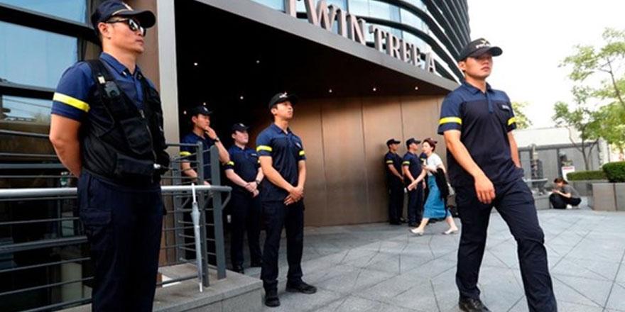SEUL'de bir kişi Japonya Büyükelçiliği önünde kendini yaktı