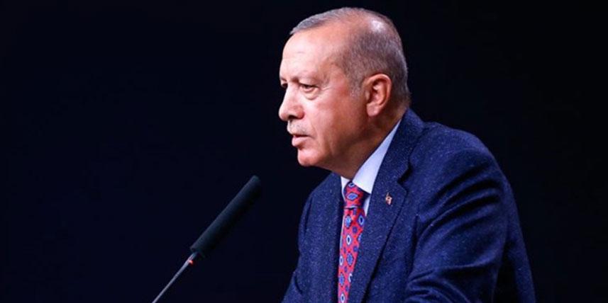 Erdoğan, havalimanında açıklama yapıyor