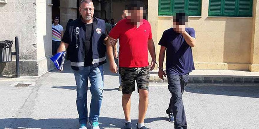 Ülkeye girişlerinde yakalandılar