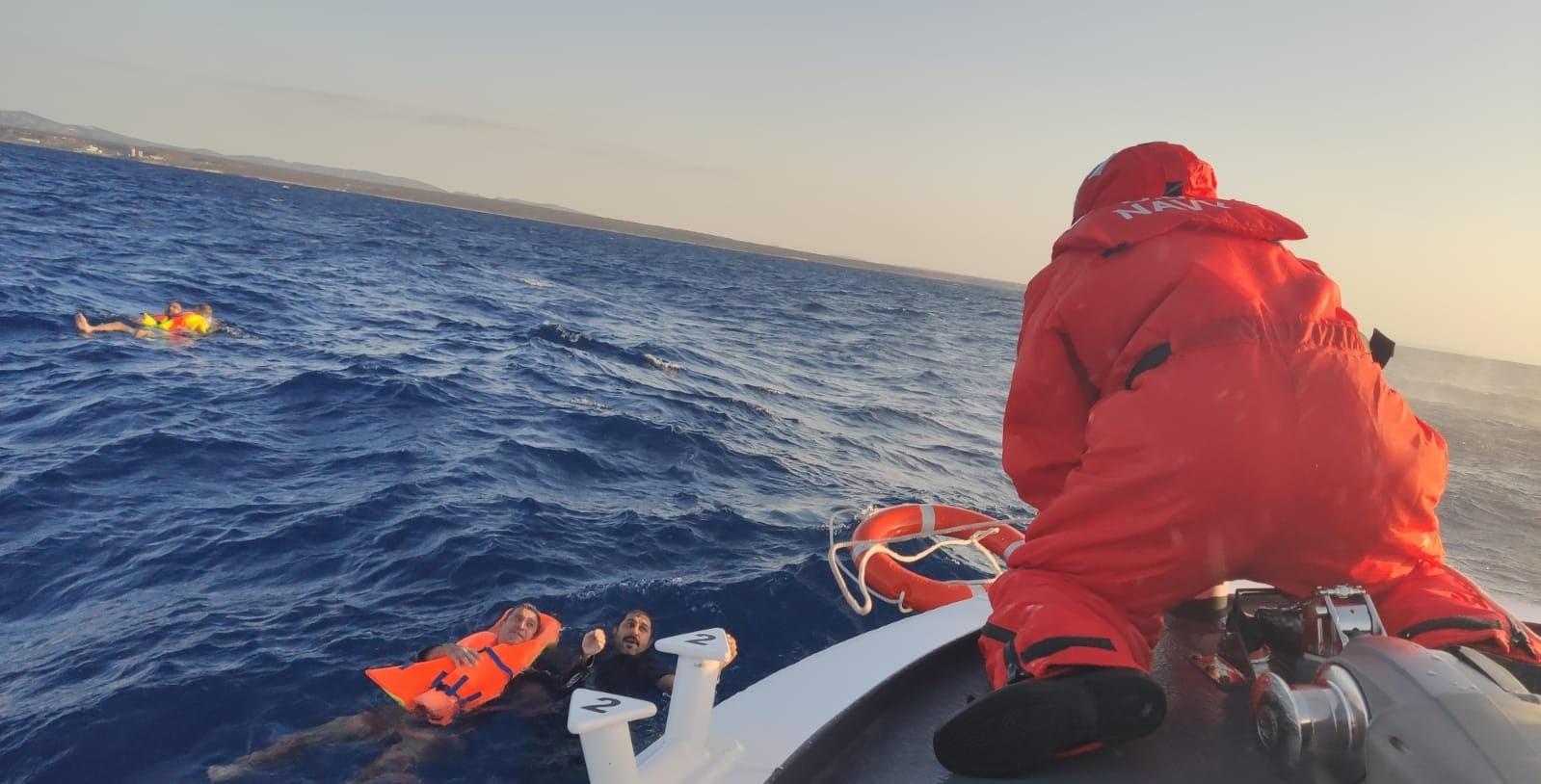 İskele açıklarında gezi teknesi alabora oldu…