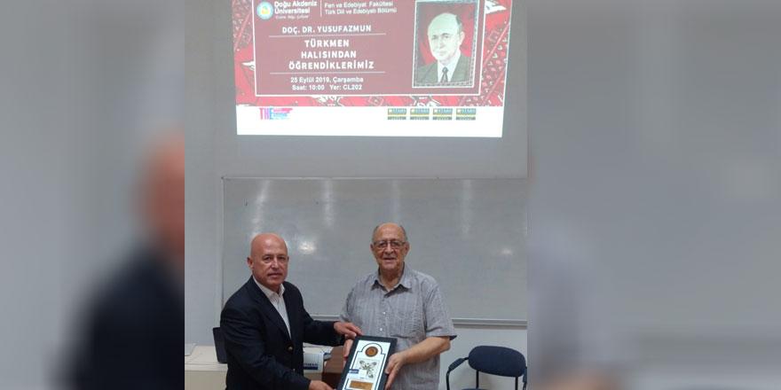 """DAÜ'DE """"Türkmen halısından öğrendiklerimiz"""" konulu konferans gerçekleştirildi"""