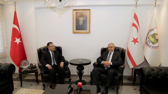 Cumhurbaşkanı Akıncı, Sivil Savunma Teşkilat Başkanı Çelebi'yi ziyaret etti