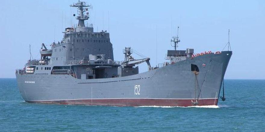 ABD ve Rus donanmalarına bağlı gemiler Güney Kıbrıs'ta