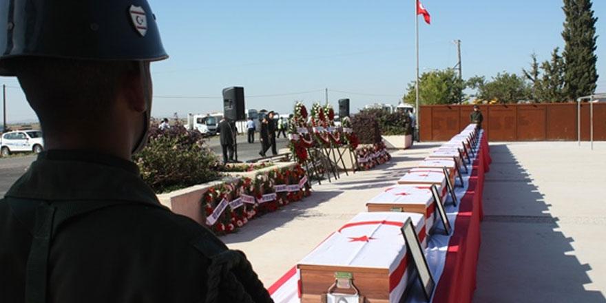 Katliam çukurundaki 21 şehit daha Muratağa-Sandallar şehitliği'ne defnedildi