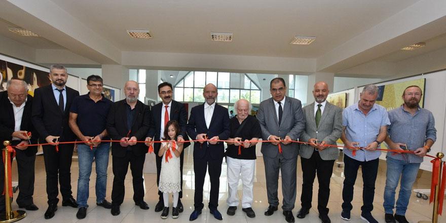 Azerbaycanlı sanatçıların iki resim sergisi YDÜ'de açıldı