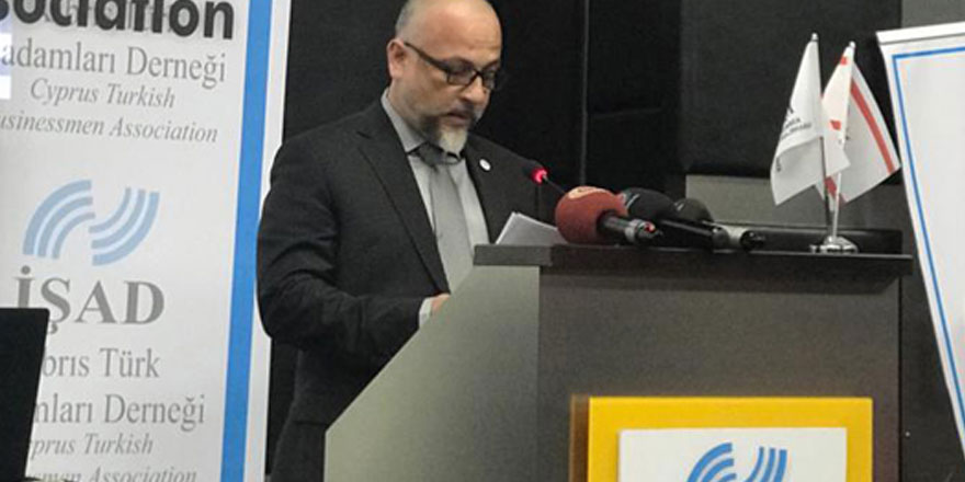 """""""Cumhurbaşkanı Akıncı'nın Kıbrıs Türk halkının görüşlerinden uzak düşüncelerinden dolayı özür dilemesi gerek"""""""