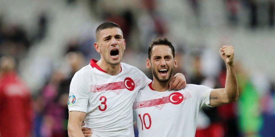 Çalhanoğlu tarihi golü anlattı