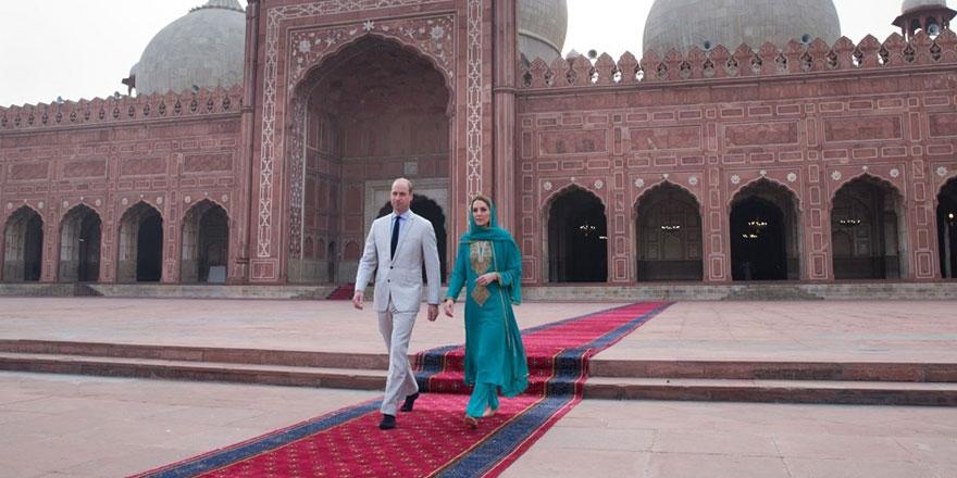 Kate Middleton ve Prens William'dan cami ziyareti