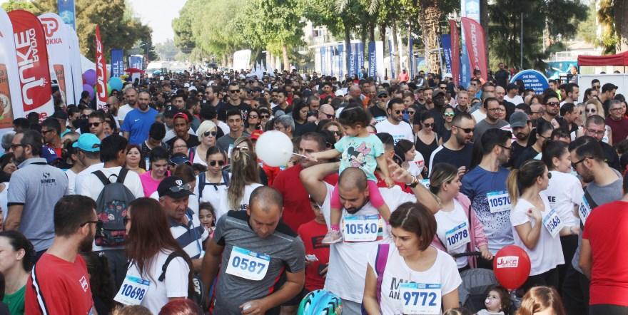 Lefkoşa Turkcell'le Koşuyor Maratonu koşuldu
