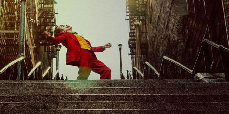 """Dünya o merdivendeki """"Joker pozu""""nu konuşuyor"""
