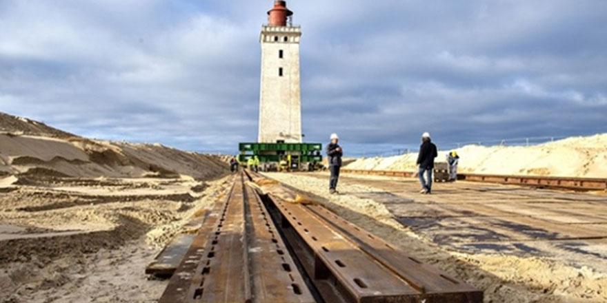 Danimarka'da 120 yıllık deniz feneri karadan yürütülüyor