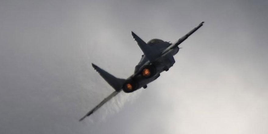 Rusya, Güney Afrika'ya İki Nükleer Bombardıman Uçağı Gönderdi