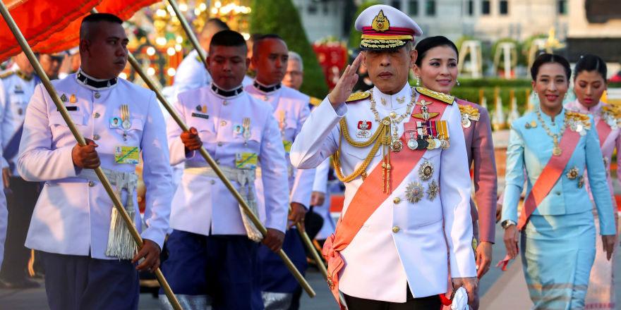 Tayland Kralı hız kesmedi: 'Resmi metresini' gözden çıkarmasından sonra bu kez de 6 yöneticiyi kovdu
